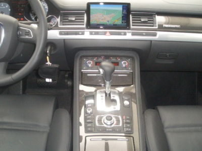 Left hand drive car AUDI S8 (07/2009) - Metallic Suzuka Grey - lieu: