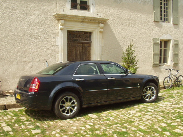 CHRYSLER 300C (10/2007) - Metallic Blue - lieu: