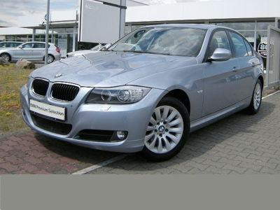 BMW 3 SERIES 320i Comfort Pack