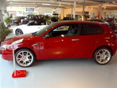 ALFA ROMEO 147 (09/2008) - Red - lieu:
