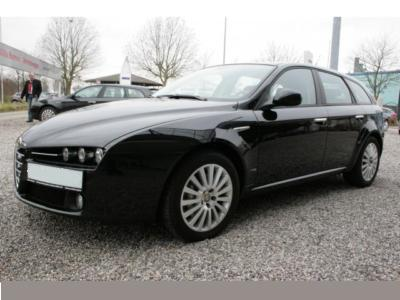 ALFA ROMEO 159 (04/2008) - Metallic Carbon Black - lieu: