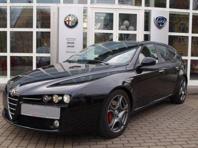 ALFA ROMEO 159 (08/2009) - Metallic Carbon Black - lieu: