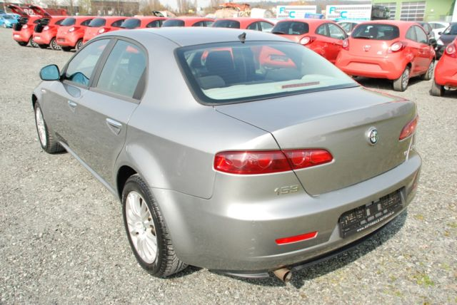 ALFA ROMEO 159 (06/2008) - Metallic Grey - lieu: