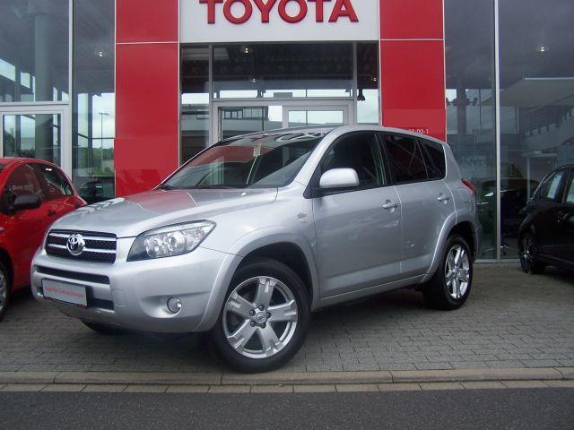 TOYOTA RAV 4 2.2 D-CAT 4x4 Executive