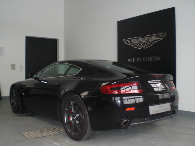 lhd car ASTON MARTIN V8 (03/2008) - Onyx Black - lieu: