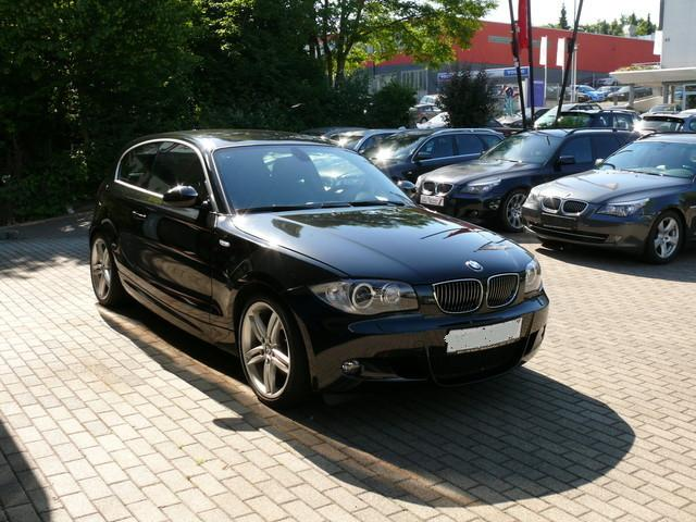 lhd bmw 1 series 07 2008 metallic sapphire black lieu. Black Bedroom Furniture Sets. Home Design Ideas