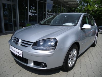 VOLKSWAGEN GOLF 1.9 TDI DPF Bluemotion