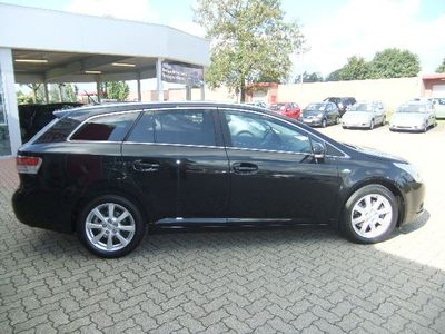 TOYOTA AVENSIS 2.2 D-4D Executive