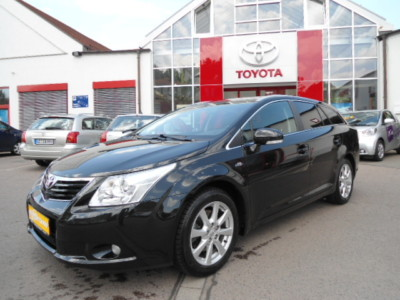 TOYOTA AVENSIS 2.2 D-Cat Executive