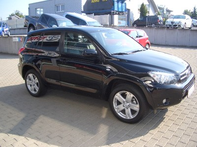 TOYOTA RAV 4 2.2 D-Cat Executive 4x4