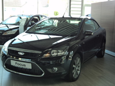FORD FOCUS 2.0 16v Black Magic
