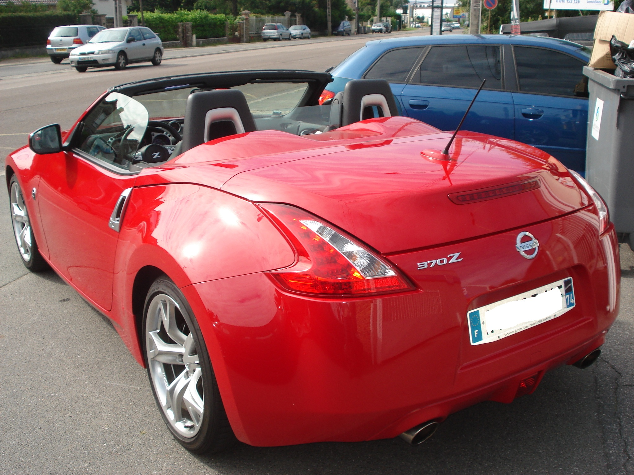 Left hand drive car NISSAN 370 Z (01/2010) - Red - lieu: