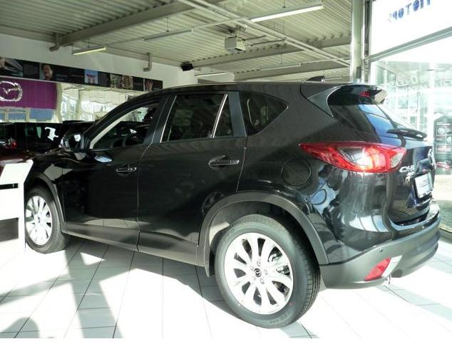 photo of Miranda Cosgrove MAZDA CX-5 - car