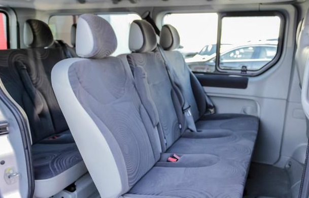 left hand drive RENAULT TRAFIC (03/2011) - Silver - lieu: