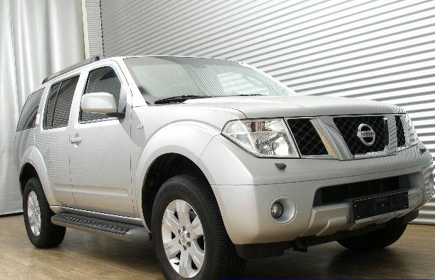 NISSAN PATHFINDER 2.5 DCI 4x4 GS 7 Seats
