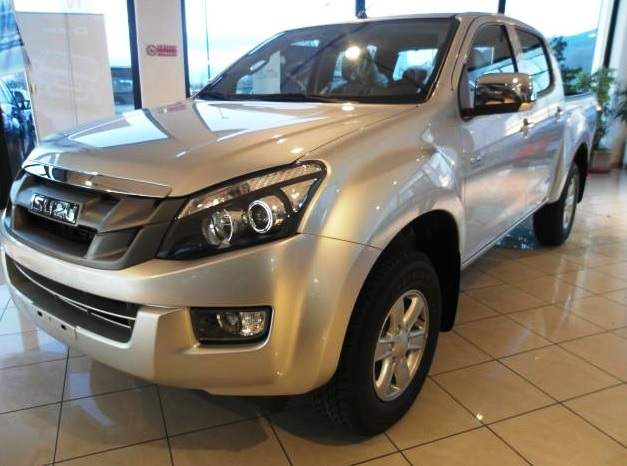 Left hand drive ISUZU D MAX 2.5 CREW CAB PLANET 4WD (NO VAT INCLUDED)