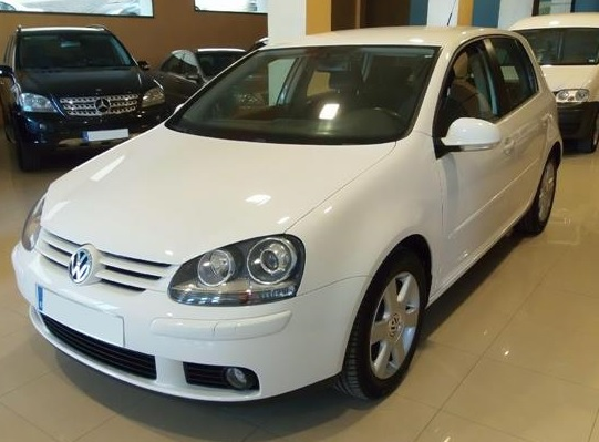 VOLKSWAGEN GOLF 1.9 TDI Highline DSG 105bhp