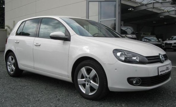 VOLKSWAGEN GOLF 2.0 TDI DSG TEAM