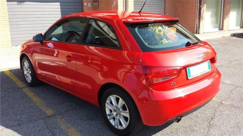 AUDI A1 1.6 TDI 105 CV Attraction