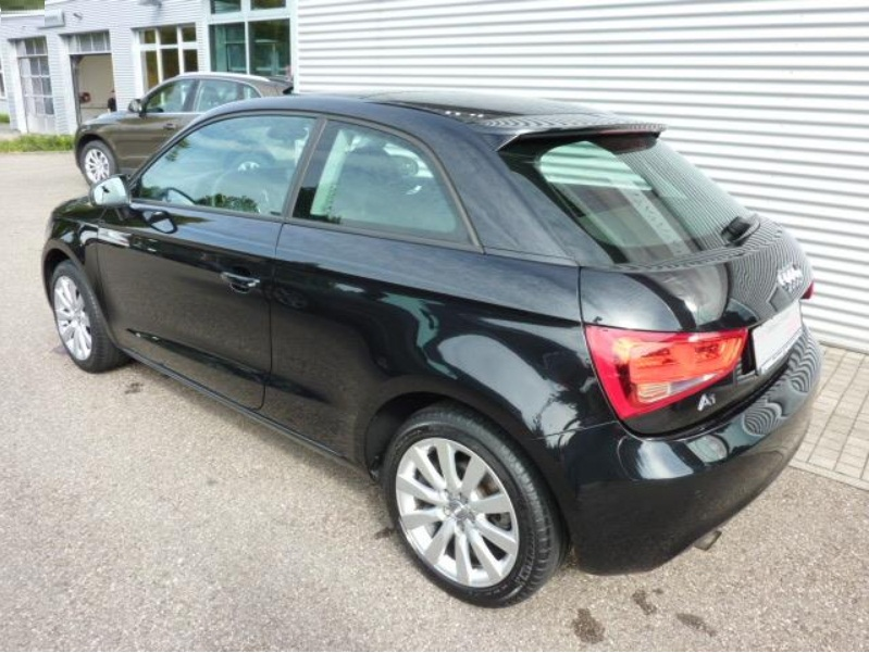 Left hand drive AUDI A1 Attraction 1.6 TDI S tronic