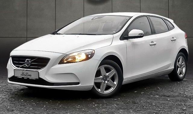 lhd volvo v40 10 2012 white lieu. Black Bedroom Furniture Sets. Home Design Ideas