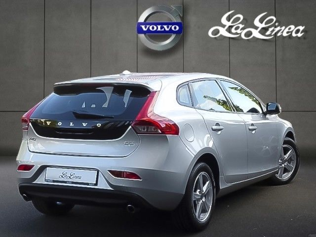 volvo v40 03 2013 silver metallic lieu. Black Bedroom Furniture Sets. Home Design Ideas