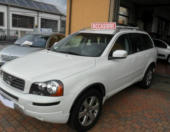 VOLVO XC 90 XC90 D5 GEARTRONIC MOMENTUM
