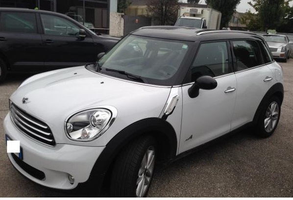MINI COUNTRYMAN (12/2012) - WHITE - lieu: