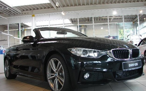 lhd BMW 4 SERIES (09/2014) - BLACK METALLIC - lieu: