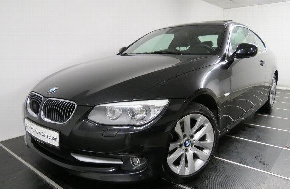 Lhd BMW 3 SERIES (10/2011) - BLACK METALLIC - lieu:
