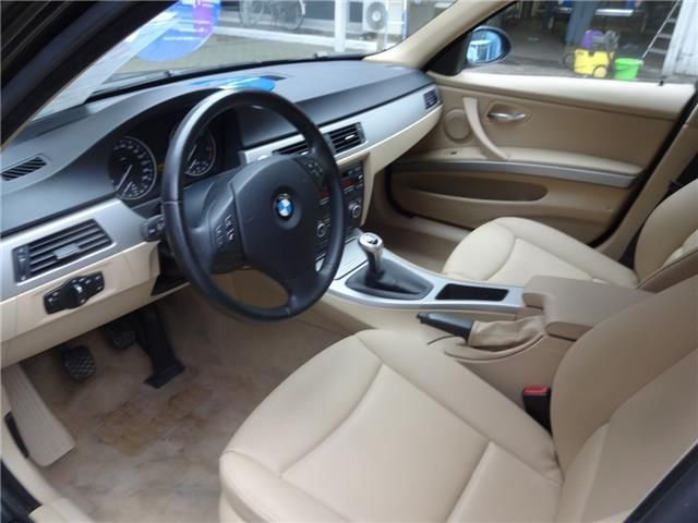 BMW 3 SERIES (01/2008) - BLACK - lieu: