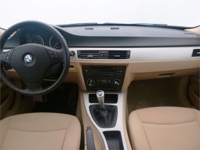 Lhd BMW 3 SERIES (06/2010) - RED - lieu: