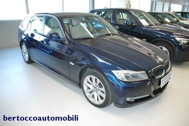 BMW 3 SERIES (03/2011) - BLUE METALLIC - lieu: