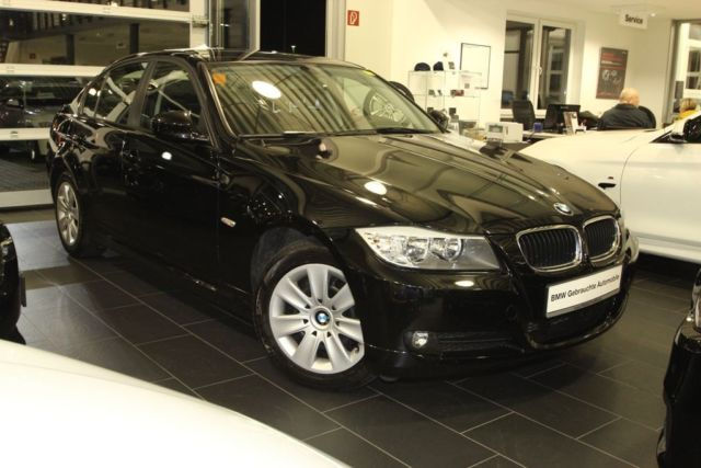 BMW 3 SERIES 320A SALOON