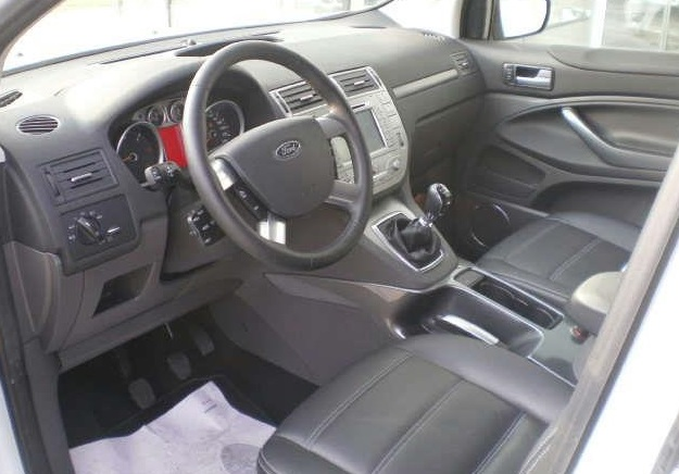 FORD KUGA (00/0) - WHITE - lieu: