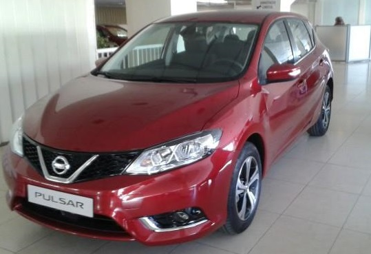 lhd NISSAN PULSAR (10/2014) - RED METALLIC - lieu: