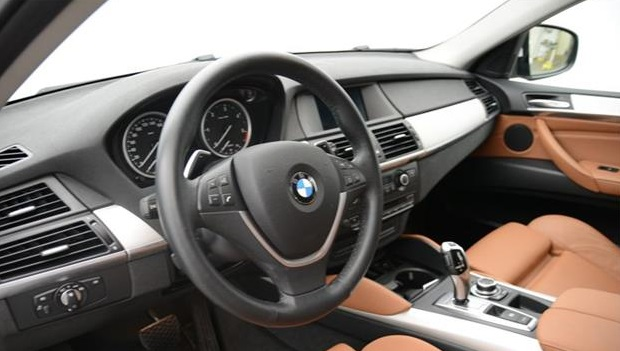 left hand drive BMW X6 (12/2011) - WHITE - lieu: