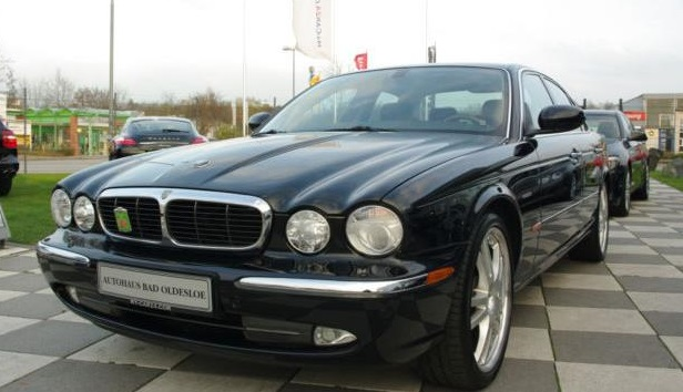 JAGUAR XJ6 (12/2003) - BLACK METALLIC - lieu: