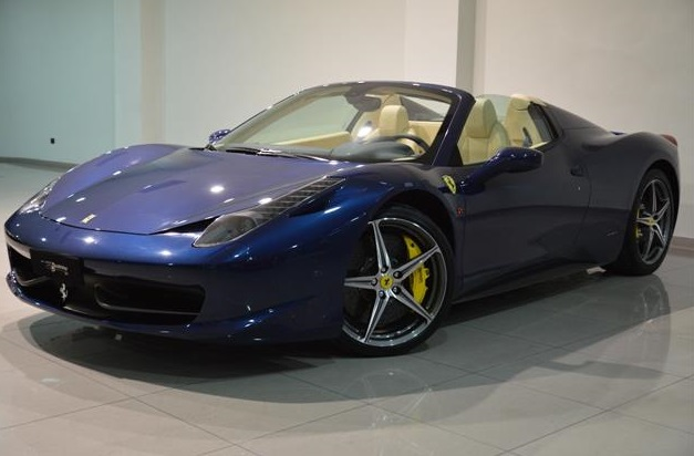 lhd FERRARI 458 (06/2012) - TOUR DE FRANCE BLUE METALLIC - lieu: