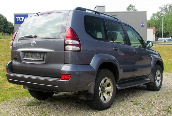 lhd car TOYOTA LANDCRUISER (00/0) - GREY METALLIC - lieu: