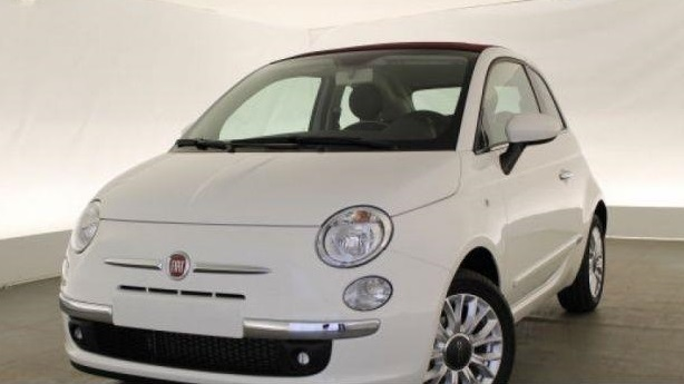 lhd FIAT 500C (00/0) - WHITE WITH RED ROOF - lieu: