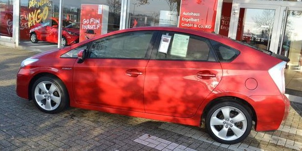 Lhd TOYOTA PRIUS (09/2012) - RED - lieu: