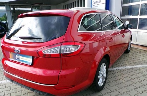 FORD MONDEO (12/2013) - RED - lieu:
