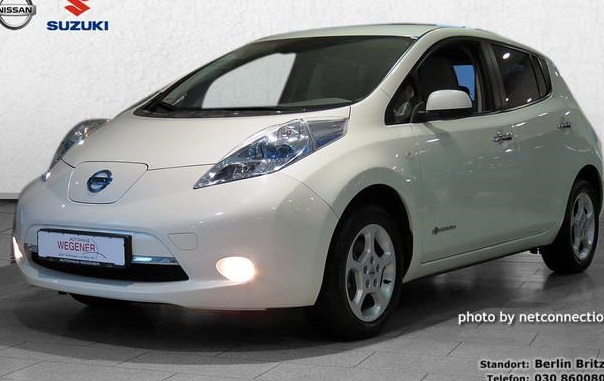 lhd NISSAN LEAF (01/2012) - WHITE METALLIC - lieu: