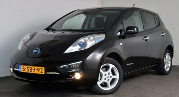 lhd NISSAN LEAF (08/2013) - BLACK METALLIC - lieu: