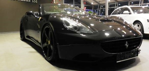 lhd FERRARI CALIFORNIA (06/2010) - BLACK METALLIC CONVERTIBLE - lieu: