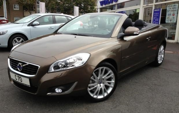 VOLVO C70 (01/2014) - BROWN MERTALLIC - lieu: