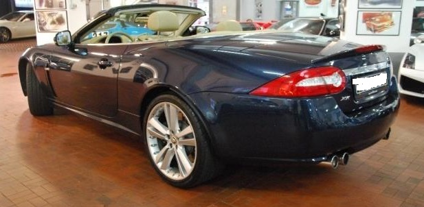 JAGUAR XKR (11/2010) - BLUE METALLIC - lieu: