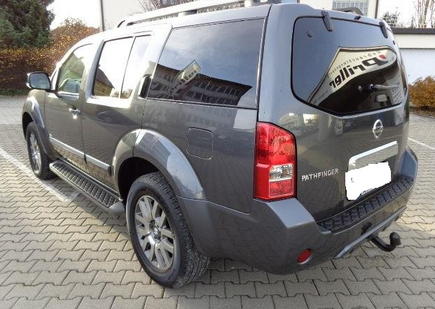 NISSAN PATHFINDER (05/2011) - GREY METALLIC - lieu: