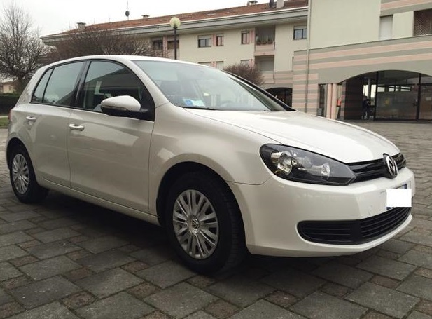 VOLKSWAGEN GOLF (04/2011) - WHITE - lieu: